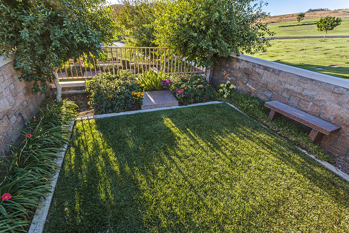 private family garden at Mount Sinai Simi Valley