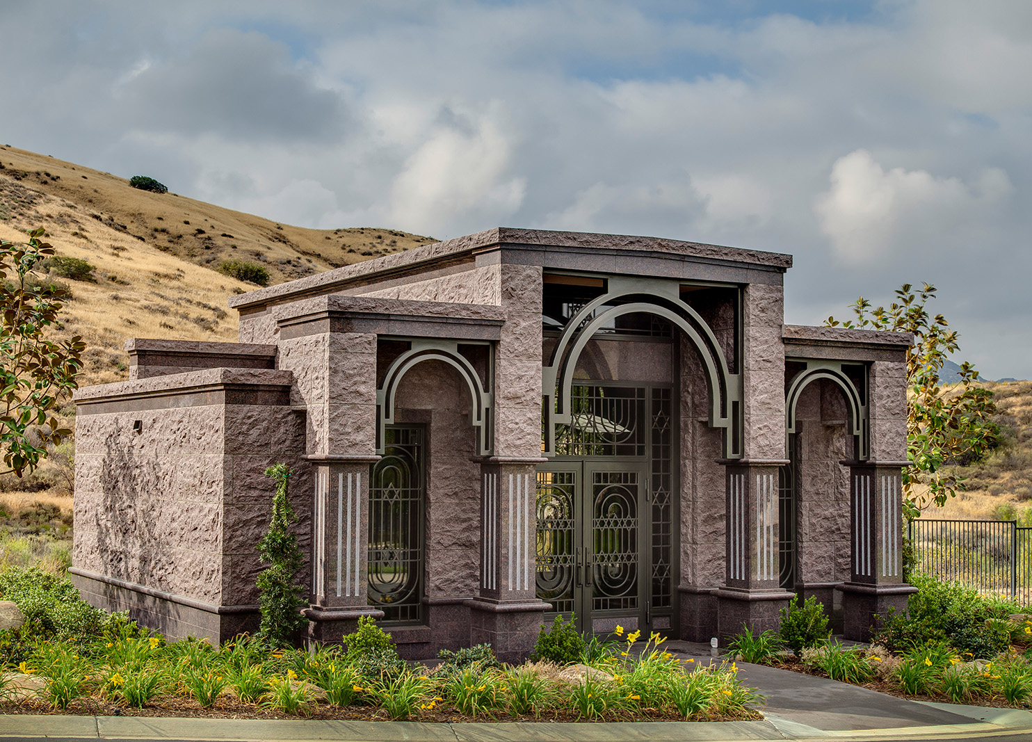 PRIVATE FAMILY MAUSOLEUM - Mount Sinai Memorial Parks and ...